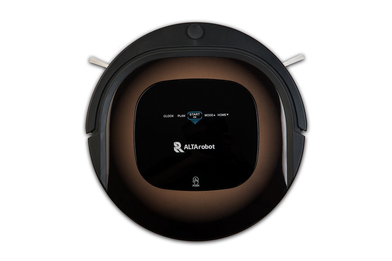Робот пылесос Altarobot D450 (чёрный)AltaRobot<br>AltaRobot D450 - это робот-пылесос премиального уровня. Сменные блоки для уборки (с основной щеткой и без), мощный Li-ion аккумулятор, бесщеточный мотор, бампер мягкого касания, увеличенный блок влажной уборки (с резервуаром для воды), сенсорная панель с ...<br>